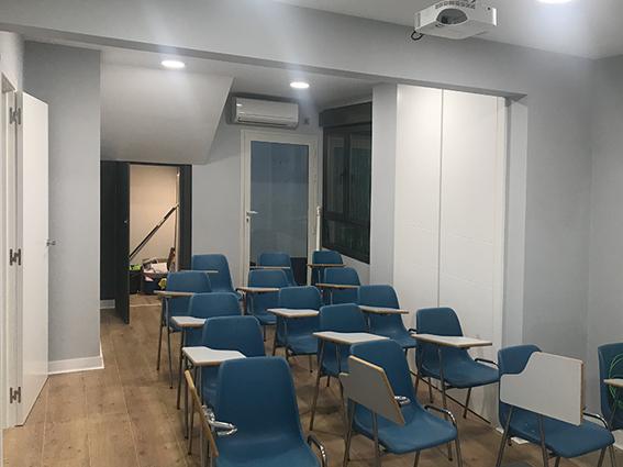 instalación aire acondicionado aulas autoescuelas